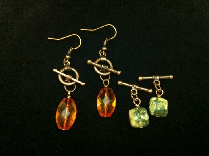 Interchangeable earrings using toggle/clasp:  clever idea!