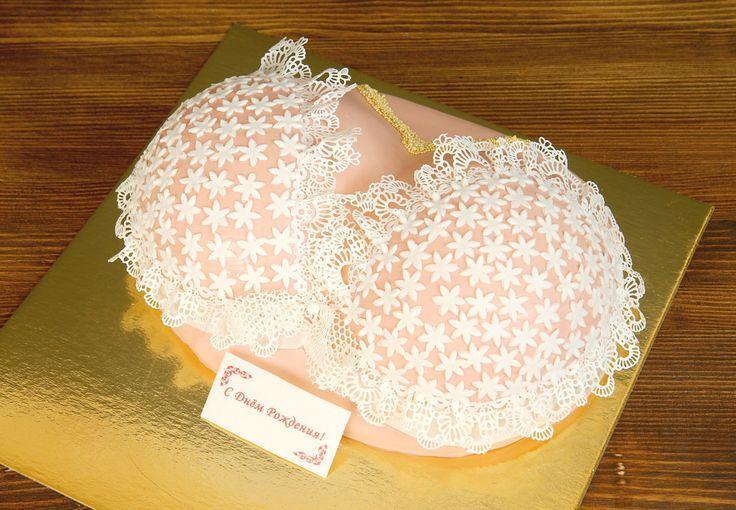 """Торт """"Бюст""""  Торт в виде женской груди в красивом белье любимого цвета - забавный #подарокмужчине к любому празднику. Будьте уверены, такой торт, точно станет """"гвоздём"""" вечера!  С удовольствием изготовим #оригинальныйторт от 3-х кг всего за 2250₽/кг.  Специалисты #Абелло готовы помочь с выбором красивого и качественного десерта по любому поводу по единому номеру: +7(495)565-3838 Телефон/WhatsApp/Viber. Наш сайт с примерами работ www.abello.ru #abello #abelloru #тортназаказ #тортыназаказ…"""