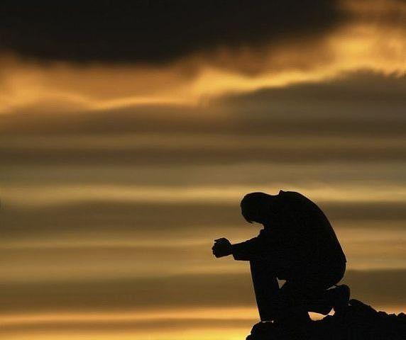 Самое противное чувство — разочарование… Ни обида, ни ревность, ни ненависть… После них хоть что-то остаётся в душе. А после разочарования — пустота…