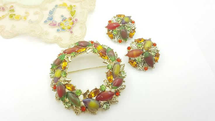 ART Brooch and Clip Earrings Wreath brooch and clip earrings green Orange MCM #jewellery #jewelleryset