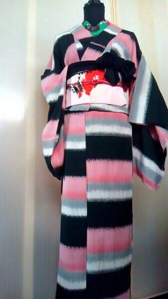 ピンク・黒・グレー・白の変わり縞 紬 単衣大正アンティーク着物_画像3