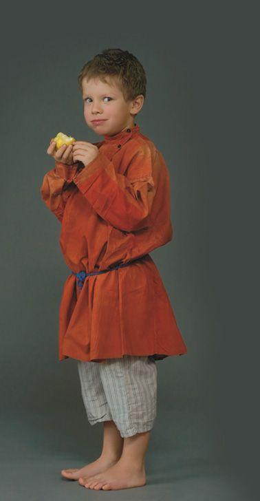 5. Мальчик в костюме. Село Городец, Нижегородская губ., XIX в. (коллекция Музея традиционного костюма).