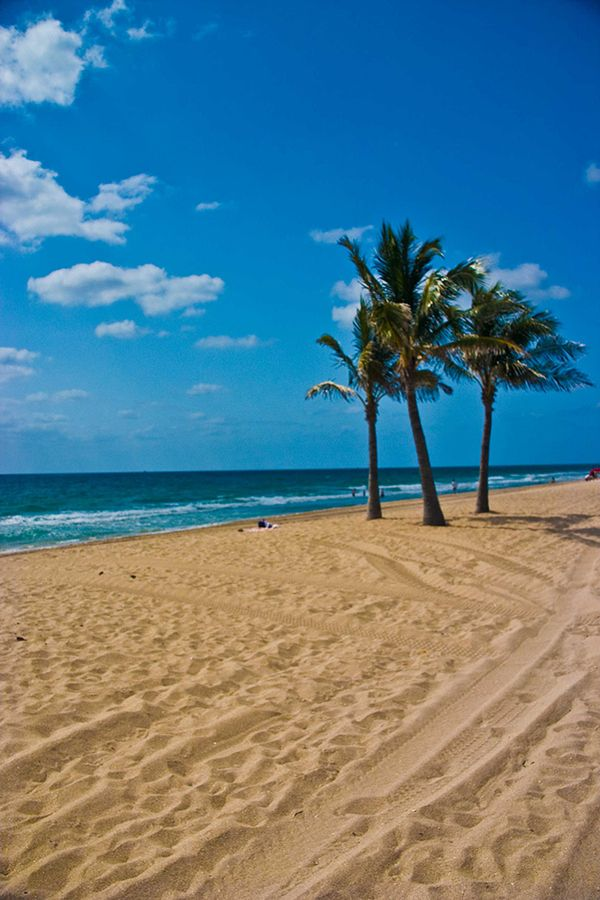 Fort Lauderdale Beach by Pete Sharas, via 500px