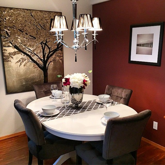 Beautiful dining room area with great lighting it can for Beautiful dining room chandeliers