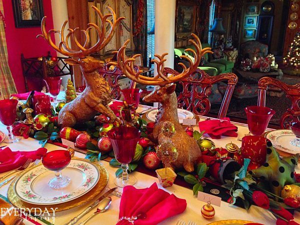 Tablescape Tuesday: Gloria In Excelsis Deo! | Everyday Living