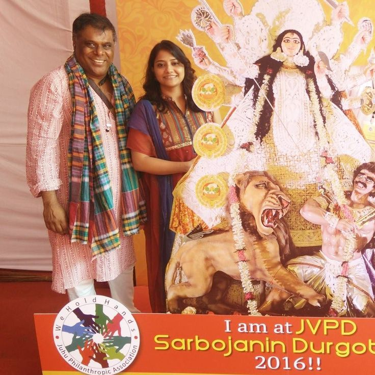 Durga Pujo @ the Jvpd Durgotsav with @ashishv  First experience