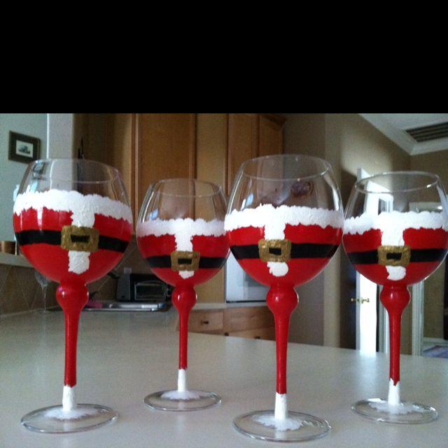 holiday glasses: Christmas Crafts, Holidays Glasses, Christmas Holidays, Green Christmas, Christmas Glasses, Santa Glasses, Christmas Idea, Gifts Idea, Wine Glasses
