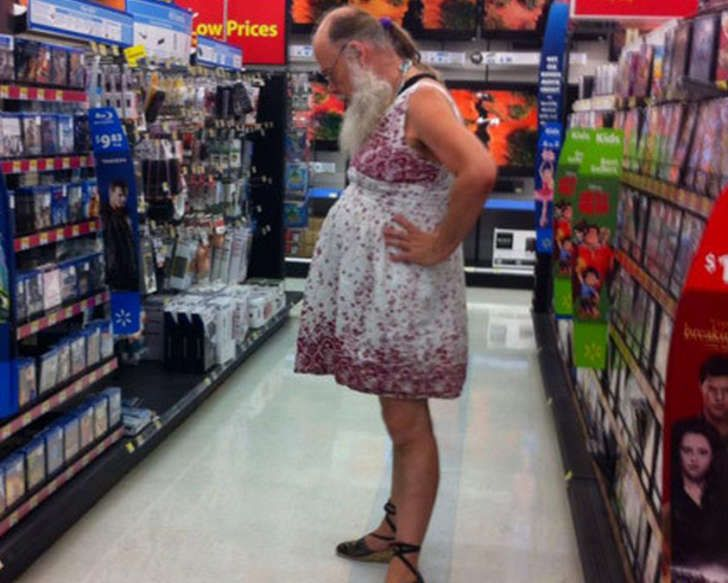Walmart always seems to have the most interesting customers out of any other store in the country. Fortunately, some people take photos for the rest of us to enjoy. Whoa.