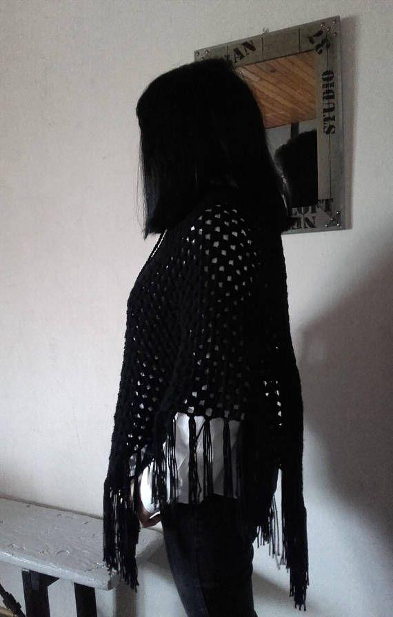 Poncho / Châle  noir au crochet ref: Châle 192