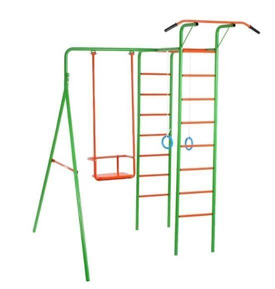 """Детский спортивный комплекс """"Весёлые старты-2"""" — это спортивный инвентарь, способный разнообразить досуг малыша и сделать жизнь ещё ярче. На таком комплексе можно делать упражнения на гимнастических кольцах, взбираться на самую вершину лестницы, покачаться на качелях и укрепить мышцы рук, упражняясь на турнике. Какую забаву выберет ваш ребёнок сегодня — решать только ему.  Игры на свежем воздухе помогут ребёнку выплеснуть энергию, укрепить мышцы тела и набраться самостоятельности и…"""