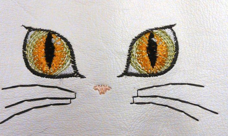 broderie fichier pes regard de chat : Art numérique par be-a-zen-broderie