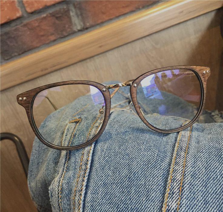 コーデに差をつけるメガネ使い、2017年から2018年まで注目のおすすめメガネデザインは?2018メガネ トレンドを楽しもう!   1.メガネフレーム2018メガネ トレンド木メガネメンズ男子芸能人愛用フレームダテ眼鏡木眼鏡5000円以下ユニック独特ウッド度ありなしメガネ目保...