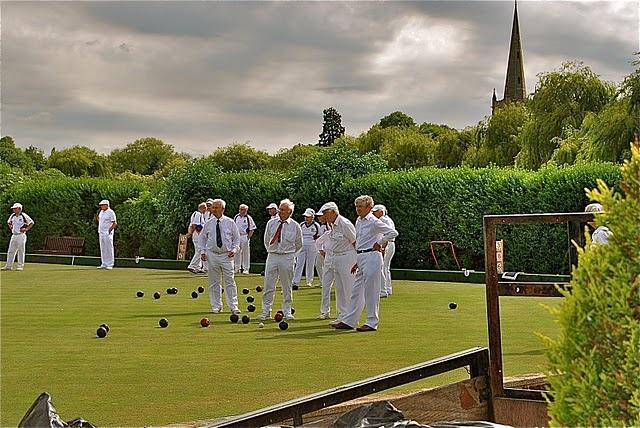 lawn bowling in Stratford Upon Avon