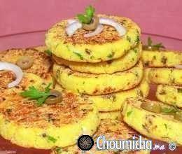 Harchas aux olives vertes, oignons et fromage