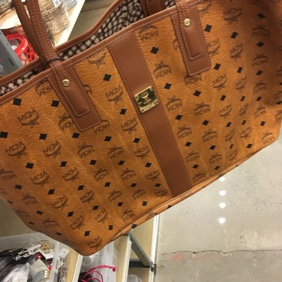 Mcm purse SOLD Mcm purse in great condition MCM Bags Totes