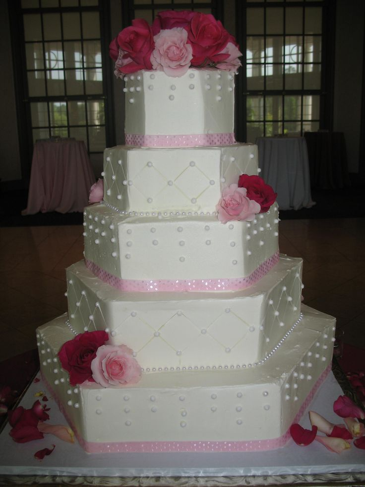 dots and quilts wedding cake www.cheesecakeetc.biz wedding cakes Charlotte NC
