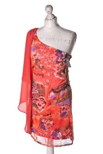 Wzorzysta #sukienka na jedno ramię z #falbanką #wzorcownia #Usco #dress