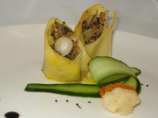 Kulinarne pyszności Molki: Roladka makaronowa z pieczarkami i warzywami