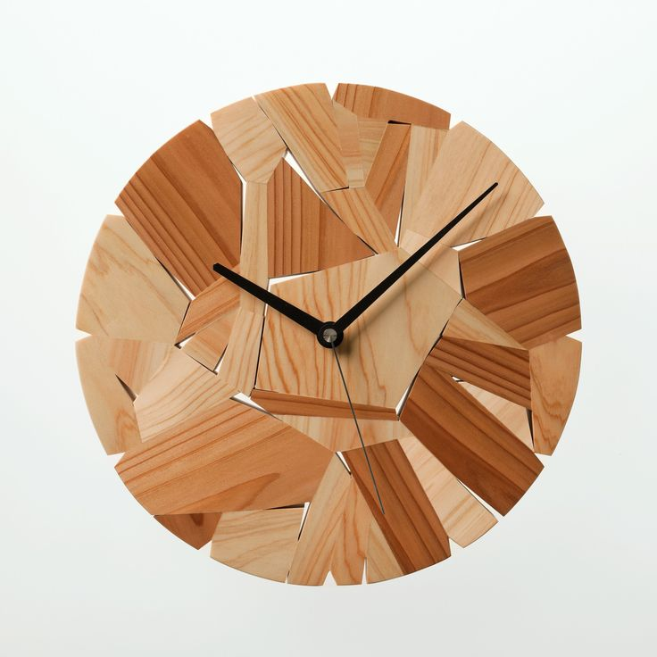 Wood chip clock   Designed by Mikiya Kobayashi     Material:Japanese cedar/Hinoki   size:Φ300×D30