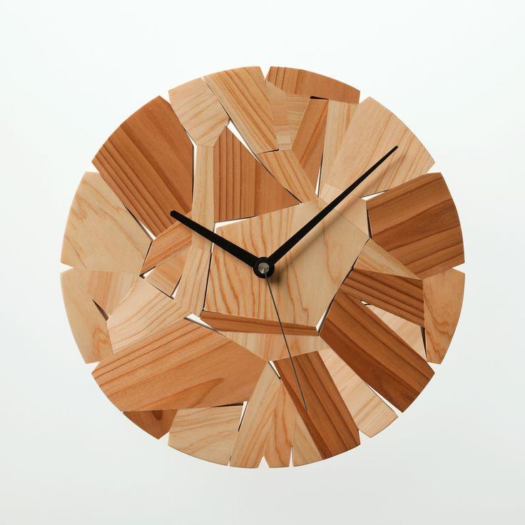 Wood chip clock   Designed by Mikiya Kobayashi     Material:Japanese cedar/Hinoki   size:Φ300×D30