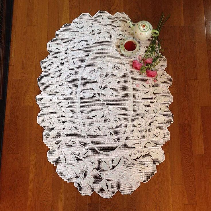 I have just finished to crochet a large-sized tablecloth. テーブルクロス完成 . #crochet #knit #tablecloth #tablespread #handcraft #handmade #crocheting #instacrochet #herend #turbanbuttercup #ヘレンド #手編み #編み物 #テーブルクロス #かぎ針編み #ラナンキュラス by wallmocha