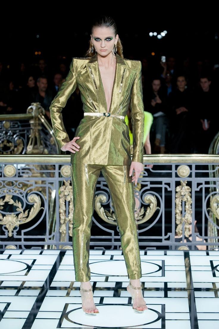 alfaiataria glam power, nos próximos red carpets próximos da sua casa.    Versace   Paris   Verão 2013 HC