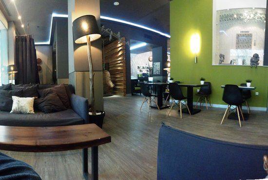 https://media-cdn.tripadvisor.com/media/photo-s/05/18/eb/e6/city-hotel-thessaloniki.jpg