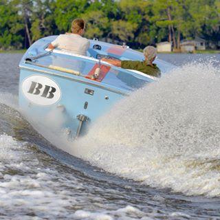 Isn't always more fun to make a splash? : 1967 Donzi 19 Hornet BB. #ynotyachts #woodyboater #yachtlife #toysandtenders #offshore #vdrive #boat #boating #boatlife #lakedora #discoverflorida #discoverboating #usaboatlife #classicboats #fiberglassic #gulfracing