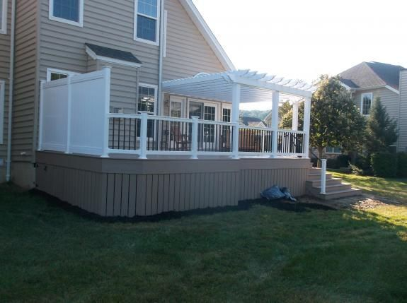 The Guys At Decks R Us Create Charming Pergolas For Shady Walkways And Sitting Areas The Sturdy Open Lattice Pergola Outdoor Living Pergola Deck With Pergola