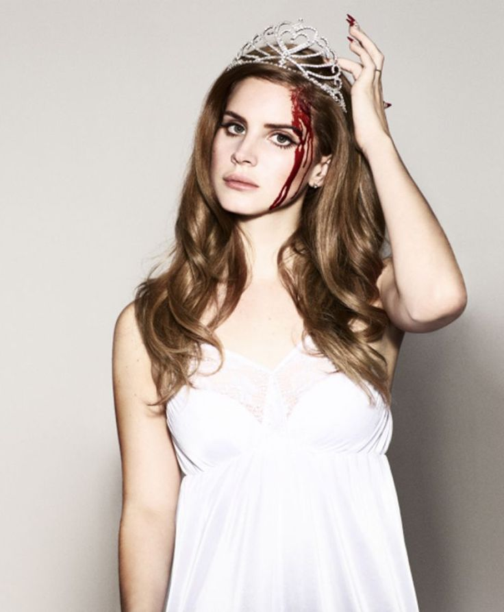 "The Look: ""Carrie"" - Lana del Rey for Q Magazine"