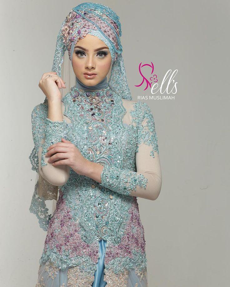 http://www.youtube.com/channel/UCqEqHuax3qm6eGA6K06_MmQ?sub_confirmation=1 Make up & kebaya: @ellsriasmuslimah by @ellenalcaff  Photo: @jokiphotography @aldiphoto Talent: @ghina  Venue: @zeusstudio  Ell's Rias Muslimah Price list info  (dibalas hari & jam kerja) Whatsapp: 6285691619429 Phone: 6287875699017 (Ibu Iyah) Instagram: @ellenalcaff @ellsriasmuslimah Website: http://ift.tt/1MZnnn2 Facebook page: Ell's Rias Muslimah Showroom: Jl Yakub No 17 Rt 004 Rw 08 Rawabelong Kebon Jeruk Jakarta…