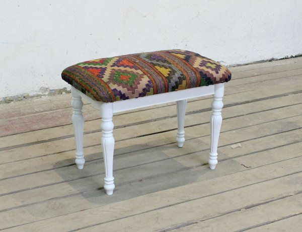 Банкетка обитая винтажным килимом