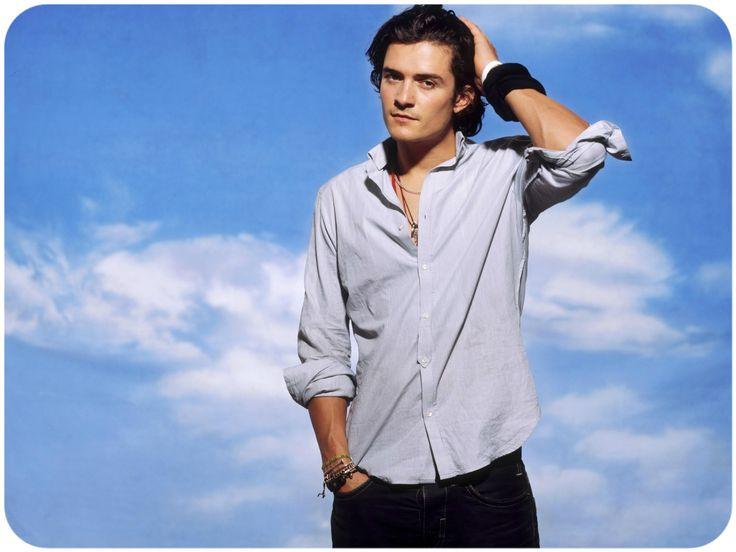 Рубашки для мужчин, по сути, не могут похвастаться большой разновидностью типов. Но все же отличия есть, и, зная их, вы с легкостью сможете подобрать подходящую рубашку для нужного образа.  Подробнее - http://www.yapokupayu.ru/blogs/post/raznoobrazie-muzhskih-rubashek