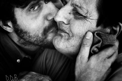 Il bene oltrepassa il tempo. #grandmotherandson #Family #love