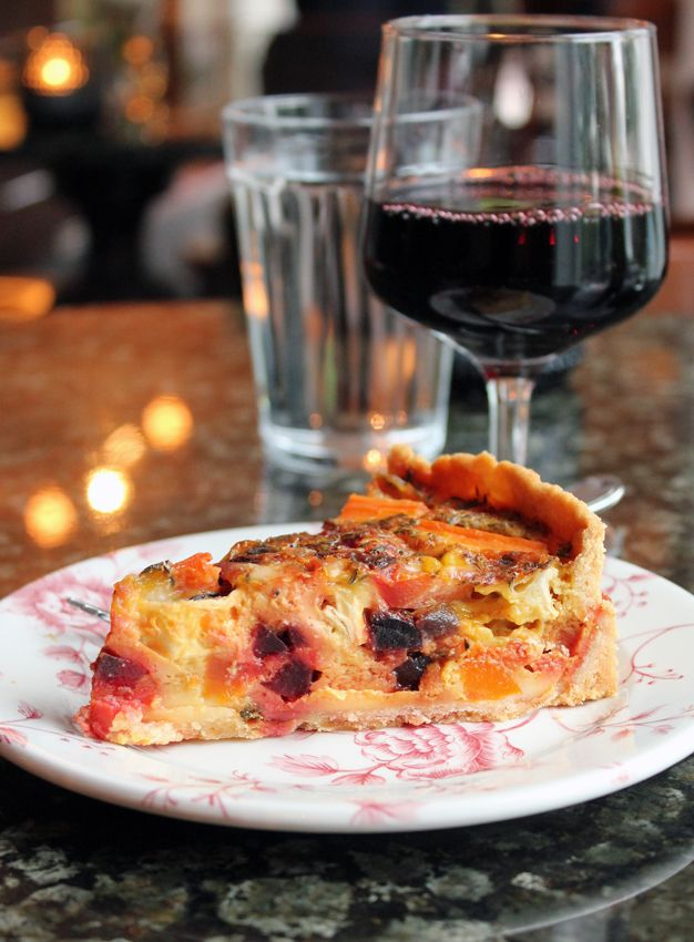 Home made quiche with goat cheese, and a glass of red wine - delicious! #samovarbar