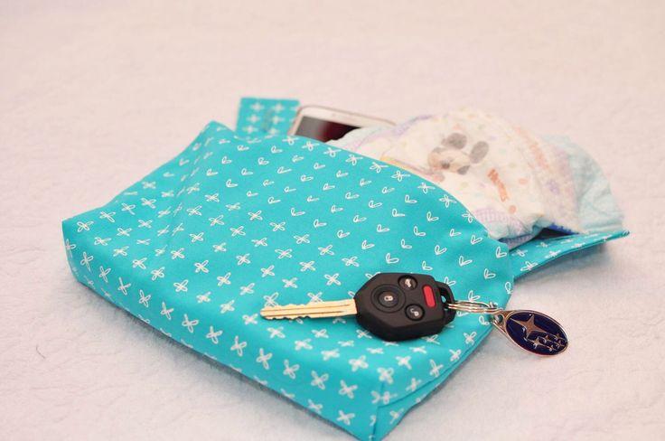 Ergo 360 sleek zipper pouch / purse / pocket / bag - capri by mamietam on Etsy https://www.etsy.com/ca/listing/400007715/ergo-360-sleek-zipper-pouch-purse-pocket