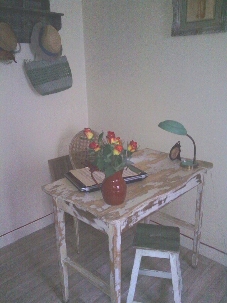 Ancienne table d'atelier décapée
