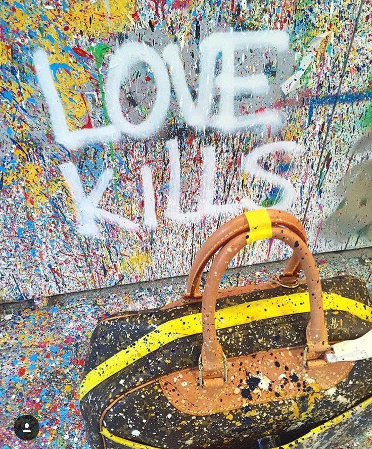 Love kills, art, gotejamento, drip painting