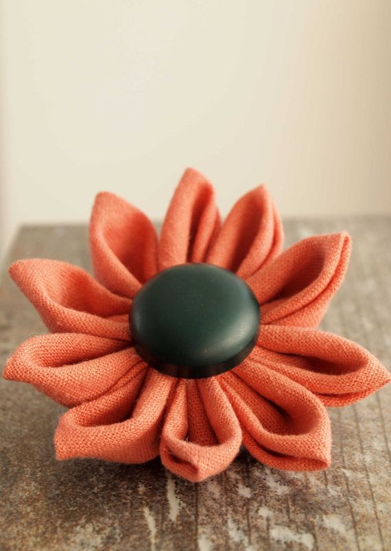 Large Flower Brooch. Fabric. Kanzashi. by IvelleTheHappyCow, €7.00