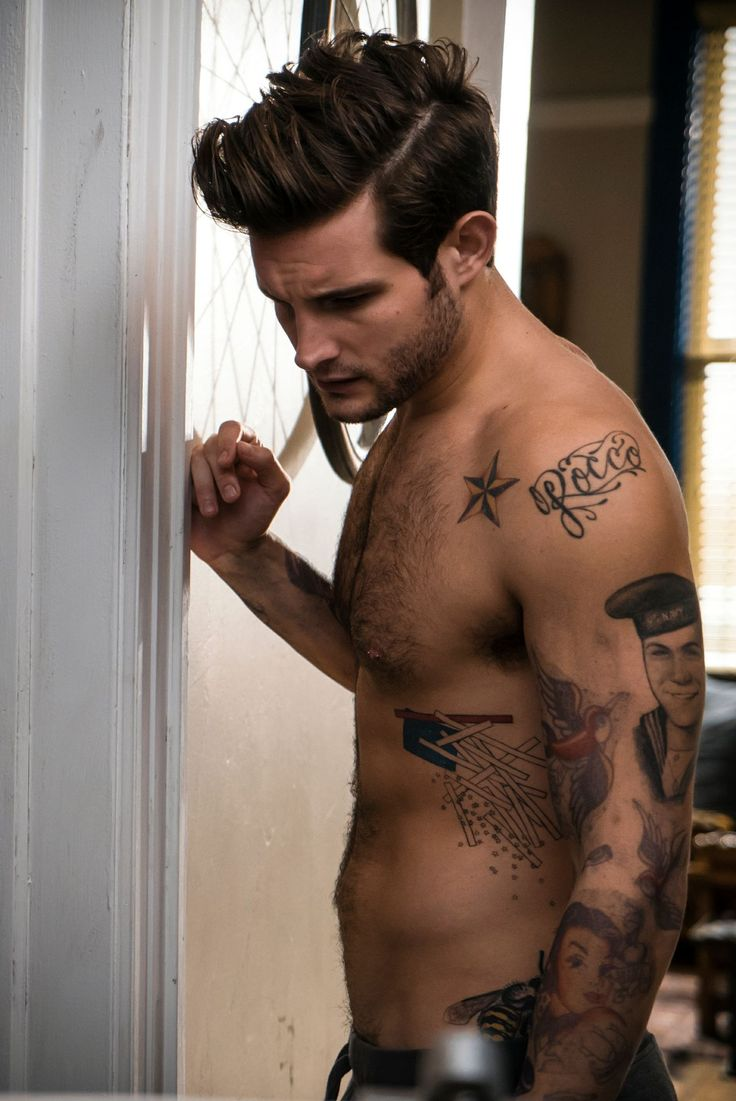 Tatalicious.  From the creator of Sex and The City, 'Younger' stars Sutton Foster, Hilary Duff, Debi Mazar, Miriam Shor and Nico Tortorella. Discover full episodes at http://www.tvland.com/shows/younger.