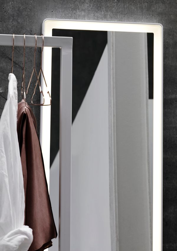 Full-length mirror with built-in LED frame. Hang it horizontally or vertically, or place it on the floor for a more modern and relaxed look.