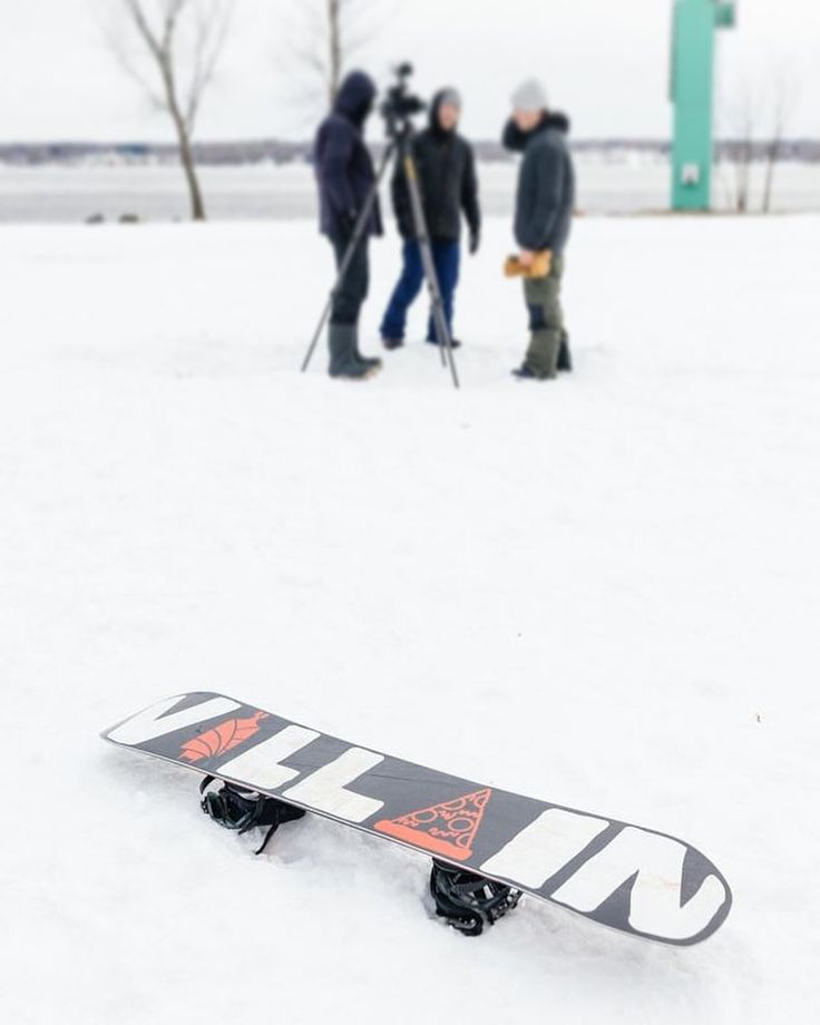 The Salomon Villain a perfect park board. Pick it up today and be ready to hit hills during the holidays. See full selection of snowboard gear in store or online at the link in our profile. #salomonsnowboards #snowboarding  Open until 6pm today.