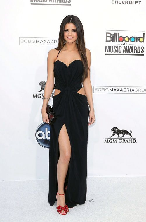 Selena Gomez hot in black dress