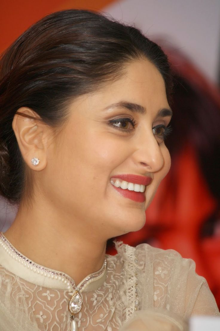 Kareena Kapoor Latest Spicy Hot Face Close Up Photos