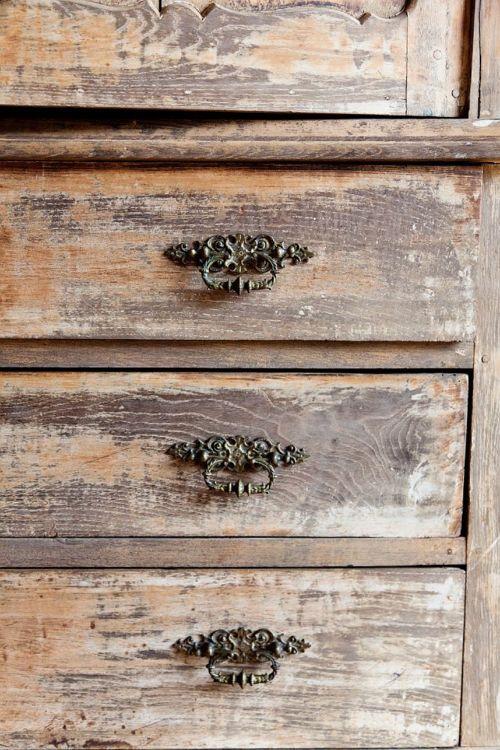 Old distressed dresser!