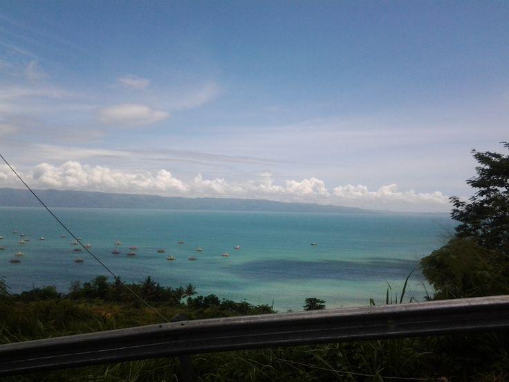 langit biru n pantai biru..indah indonesiaku..