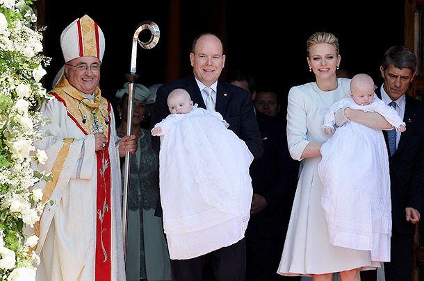 Подрастающие наследники мировых престолов: принц Жак Оноре Ренье с родителями и сестрой