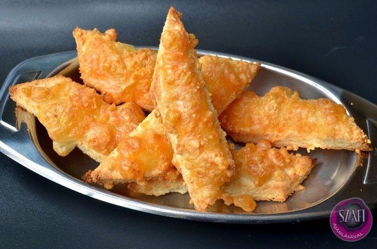 Paleo sajtos rudacskák vagy magos rudacskák (20 darabhoz)       Paleo sajtos/magos rudacskák     RECEPT:   Hozzávalók (20 sajtos rúdhoz):  60 g Szafi Fitt kókuszlisztvagy mandulaliszt(ezt használtam) 60 g Szafi Fitt nyílgyökérliszt(ezt használtam) 1 tk. Szafi Fitt fokhagymap