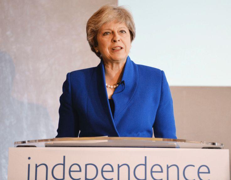 UKs May warns Boeing in international trade tussle