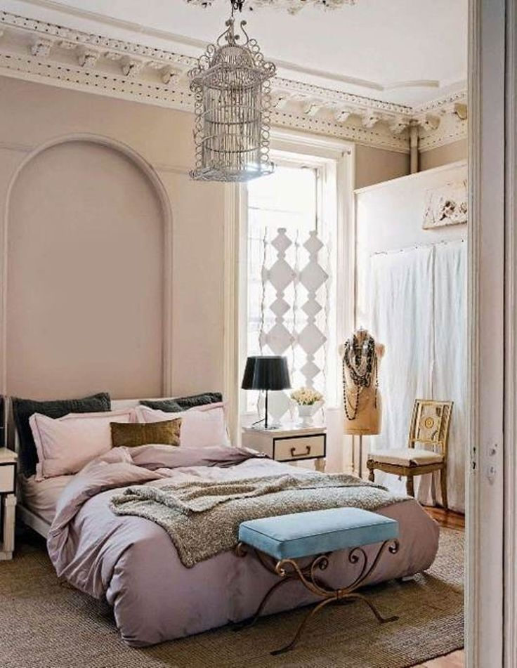 Instead, this room decor has an elegant and feminine style. Awesome Lovely Chic Bedroom Decorating Ideas For Women Every Woman Wants To Have The Perfect Bedroom Woman Bedroom Feminine Bedroom Shabby Chic Decor Bedroom